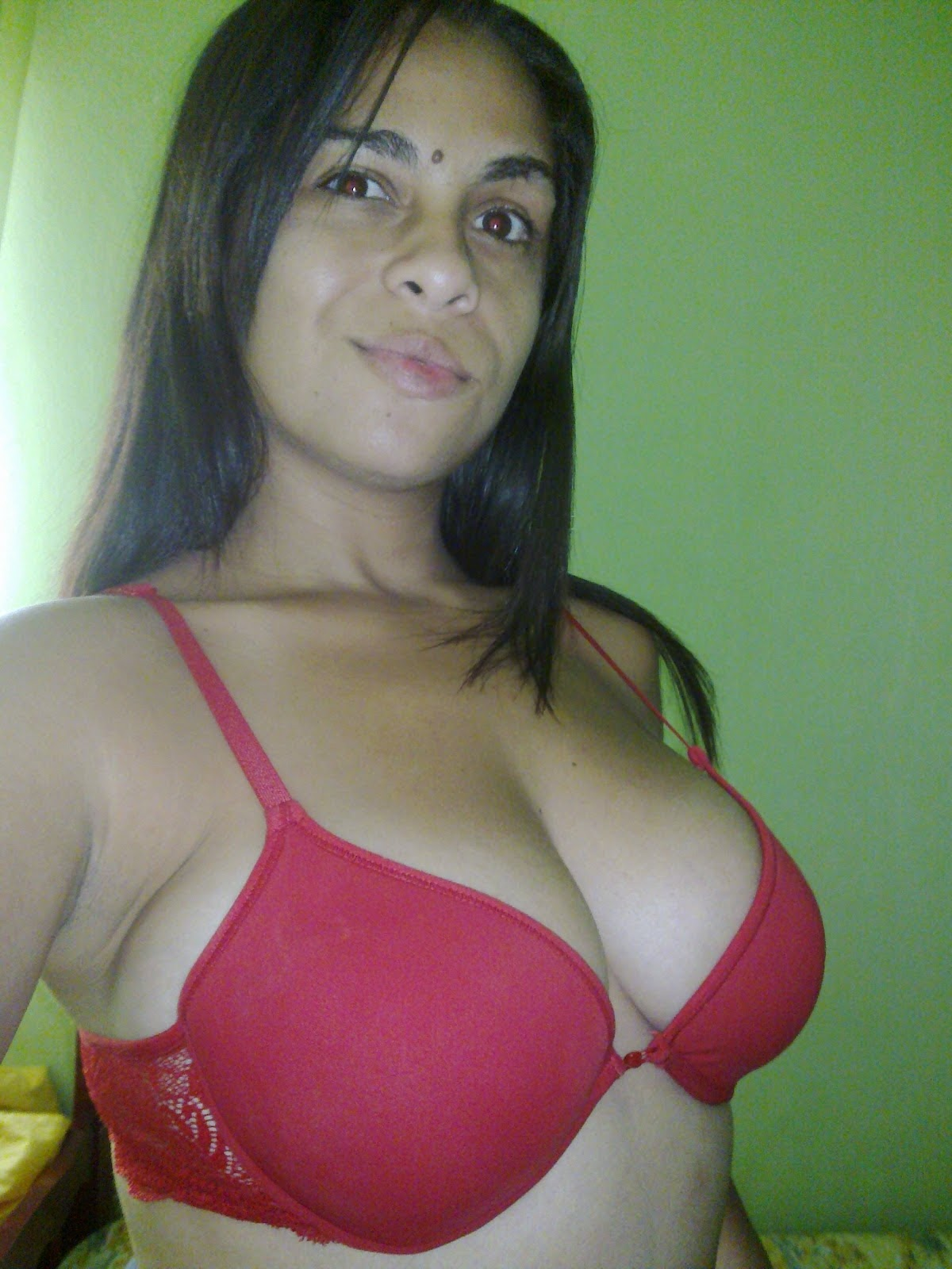 Latina amateur swallow